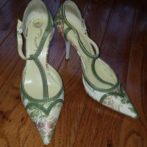 Shoes - Brocade T-strap heels size 9.5